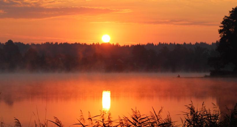 Západ slunce v kempu